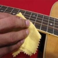 Как ухаживать за гитарой?